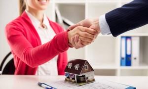 Покупка недвижимости без риелтора: преимущества, риски, подводные камни