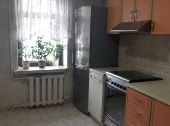 3-х комнатная квартира по ул. Пятницкая, р-н 19 школы