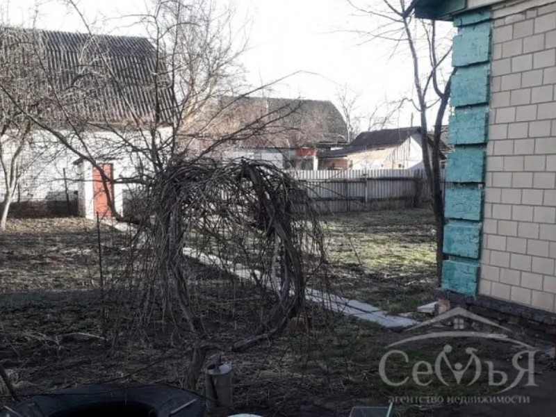 Дом по ул. У. Громовой, р-н Областной больницы